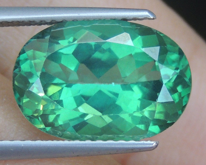 7.86cts, Green Topaz,