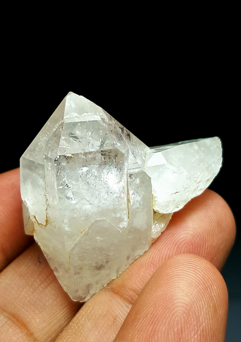 Amazing Natural color Lovely Rainbow Quartz Crystal 109Cts-P