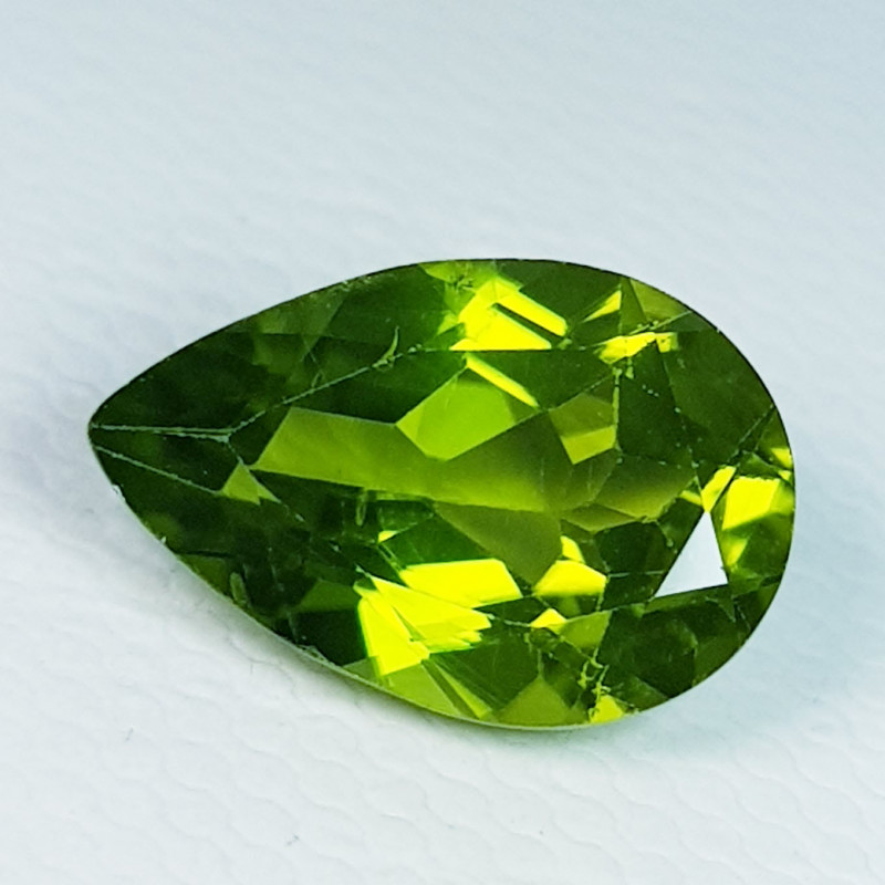 3.30 ct Top Quality Gem  Pear Cut Top Luster Natural Peridot