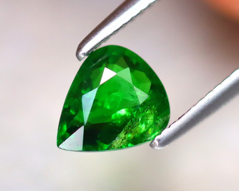 Tsavorite 0.75Ct Natural Intense Vivid Green Color Tsavorite Garnet DF2027