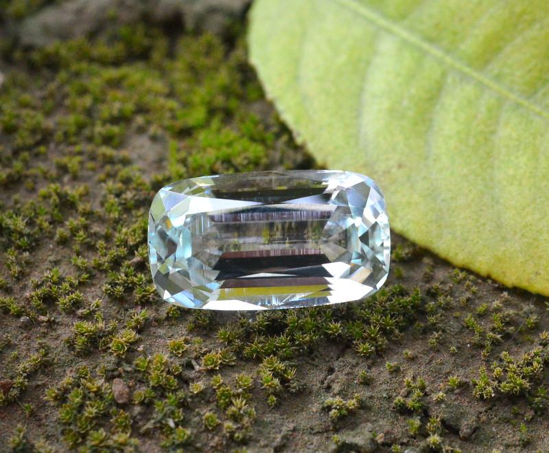 8.45 Carat Natural Aquamarine Gemstone