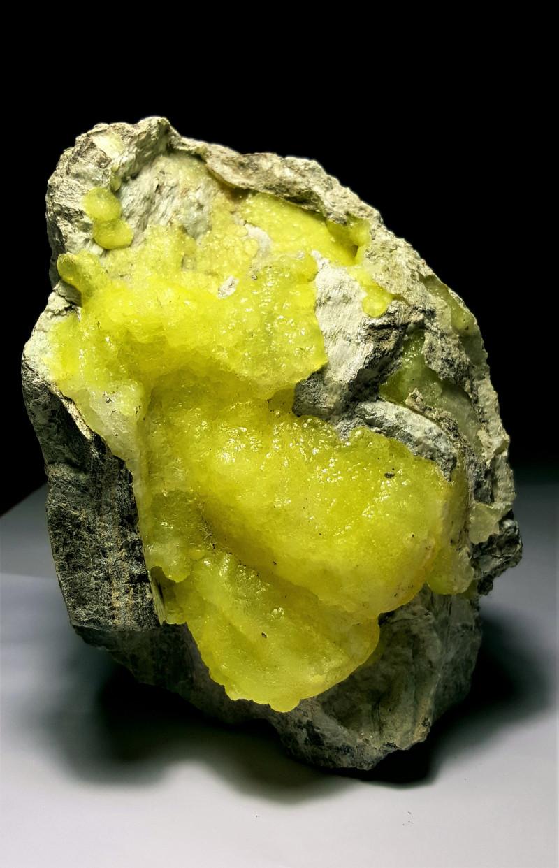 Stunning Natural color Huge Damage fee Brucite specimen 9325Cts-Pak