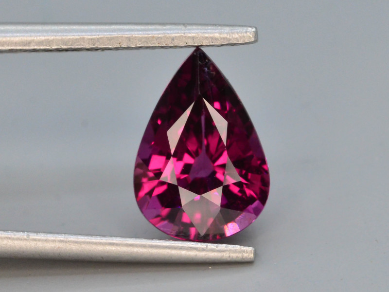 AAA Cut 2.30 Ct Natural Ravishing Color Umbalite Garnet