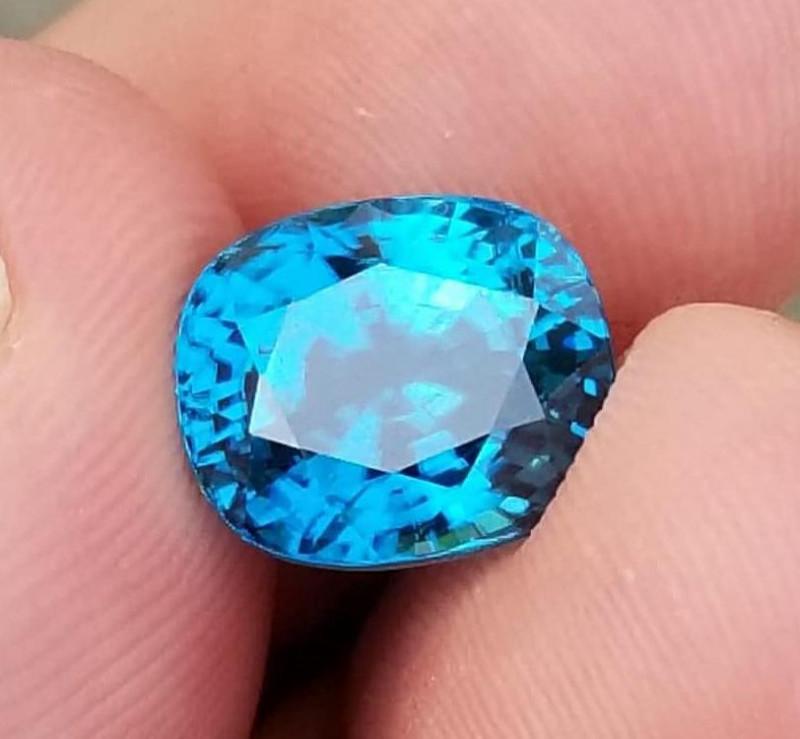Zirkon, 7.88ct, perfect colour, VVS, AAA grade stone from Cambodia!