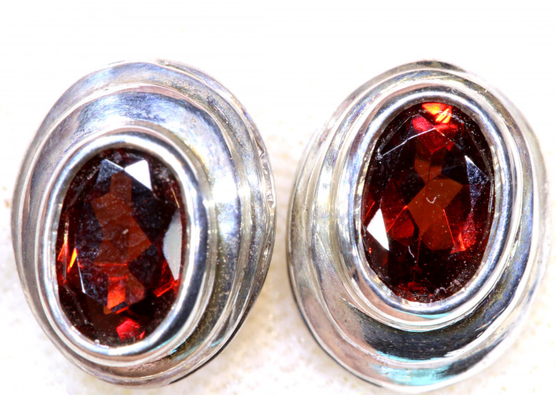 12.95  CTS   GARNET SILVER  EARRINGS  SG-3617