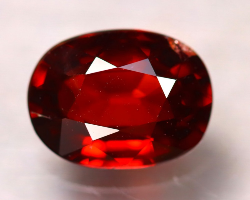 Almandine 3.40Ct Natural Vivid Blood Red Almandine Garnet D2401/B3