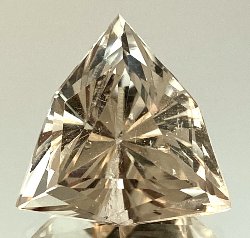 13.75 Ct Natural Topaz Excellent Cutting Top Luster From Pakistan. GTP 04
