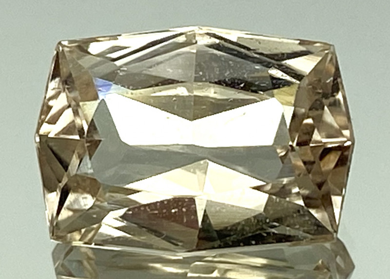 6.45 Ct Natural Topaz Excellent Cutting Top Luster From Pakistan. GTP 16