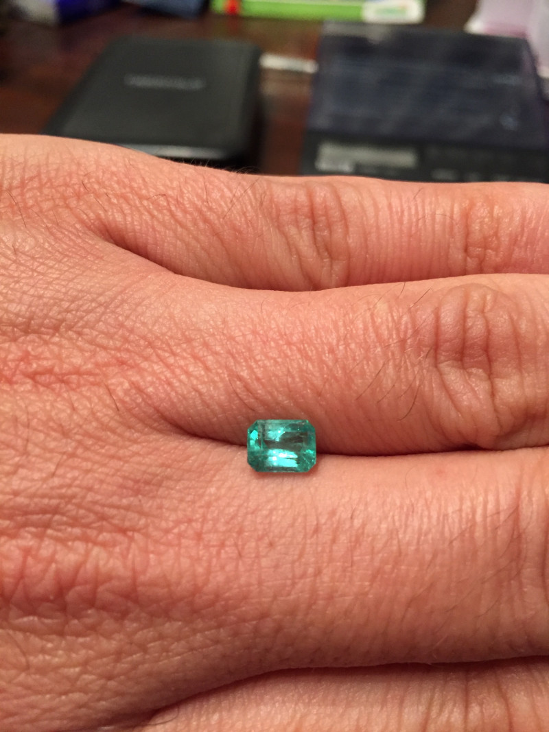 1,09ct  Colombian Natural Emerald Ref 39/43 Colombian Emerald natural emera