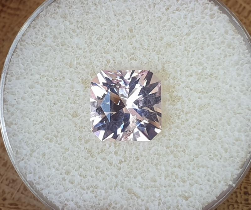 3,65ct Pink Morganite - Master cut!