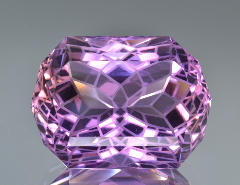 Natural Amethyst 34.78 Cts Top Quality with Precision Cut