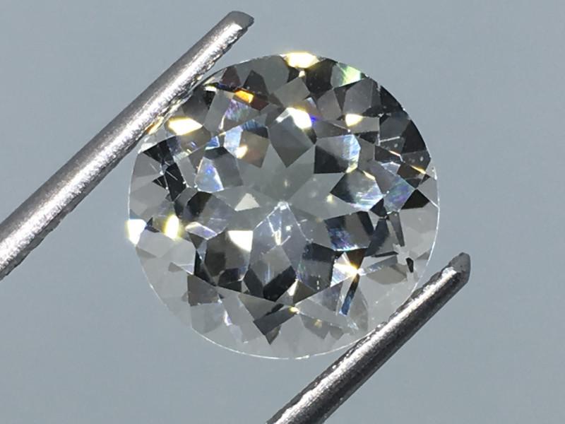 4.95 Carat VVS Topaz - Diamond White Color Precision Cut Quality !