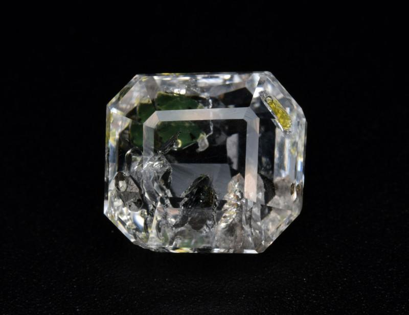Rare Petroleum Quartz 6.45 Cts Faceted Gemstone with Moving Petroleum Bubbl