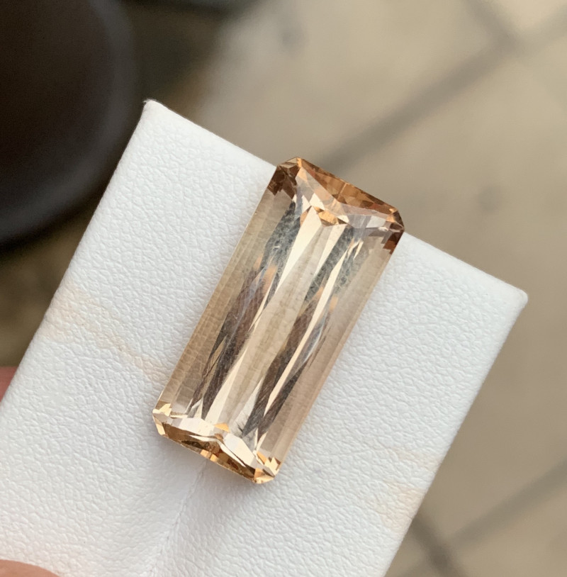 16.80 carats Natural imperial topaz Gemstone