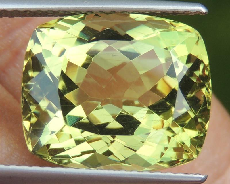 12.57cts Apatite,  Top Color Top Cut