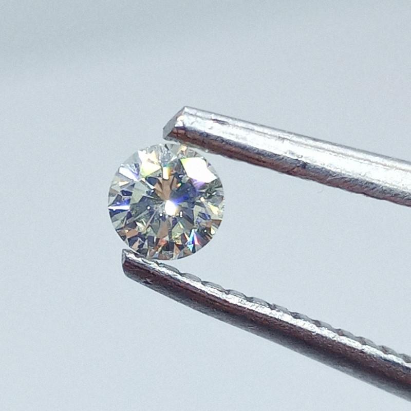 0.23ct  Light Yellow Diamond , 100% Natural Untreated
