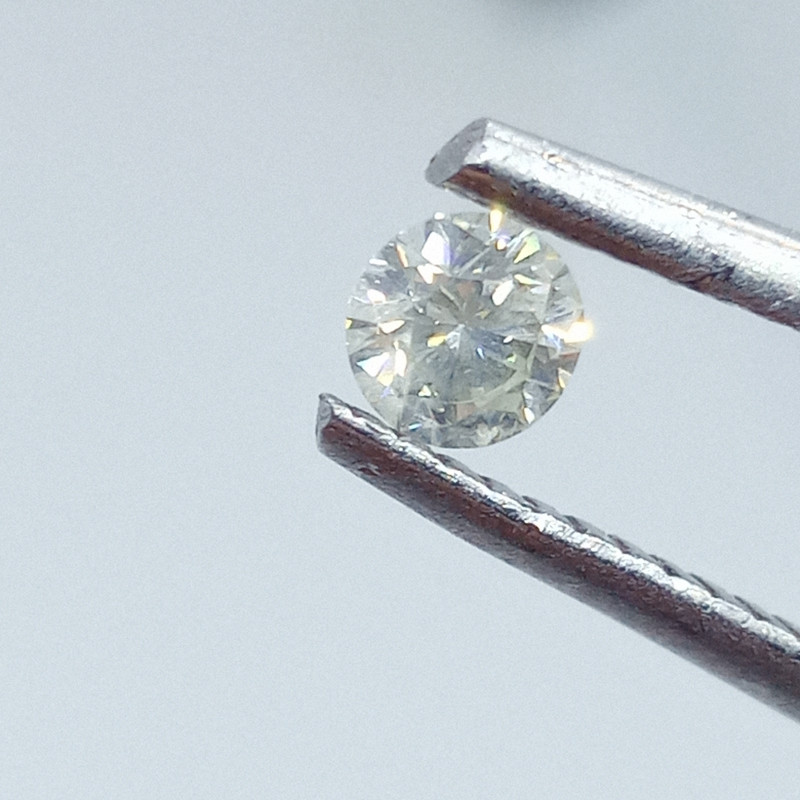 0.19ct  Faint Green  Diamond , 100% Natural Untreated