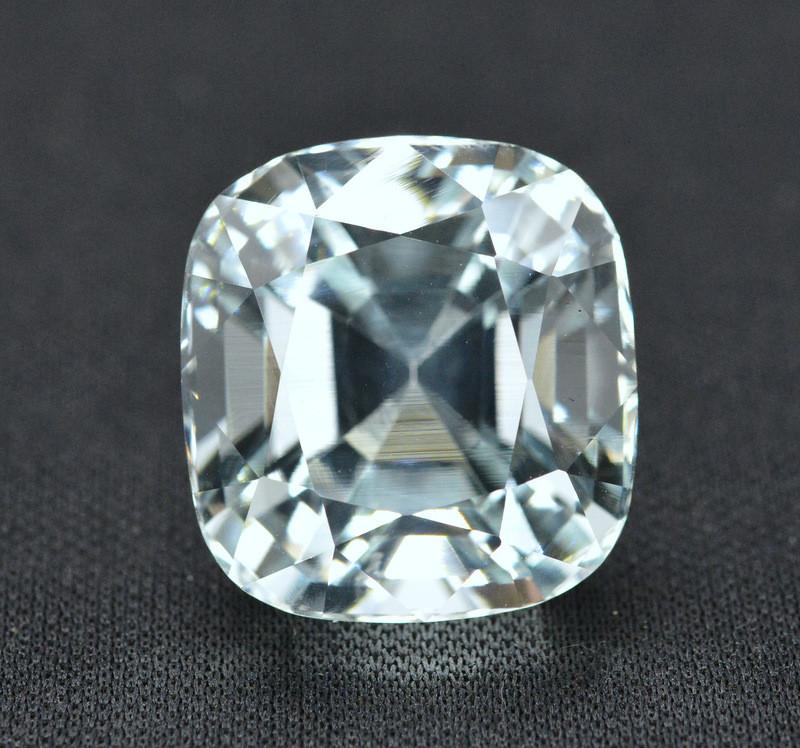 37.35 Carat Natural Aquamarine Gemstone