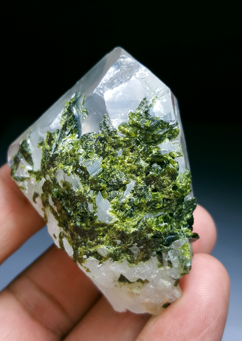 Amazing Natural color Damage free Epidote combine with Lovely Quartz 385Cts