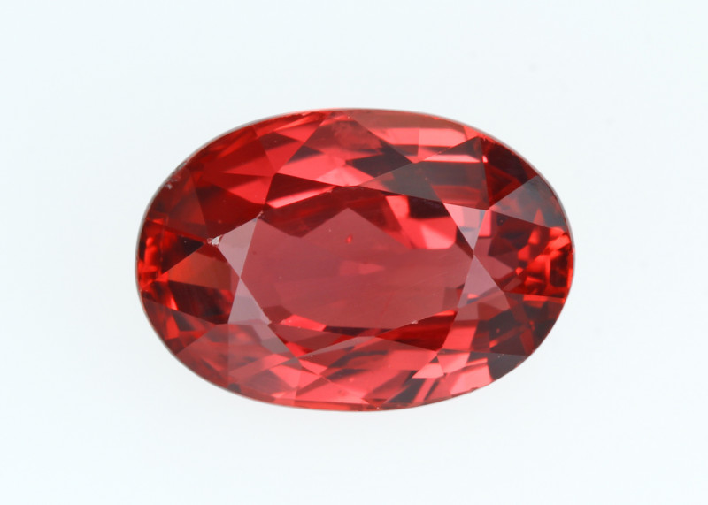 SONGEA Orange Sapphire, Exceptional Colour, eye clean, rare, excellent cut.