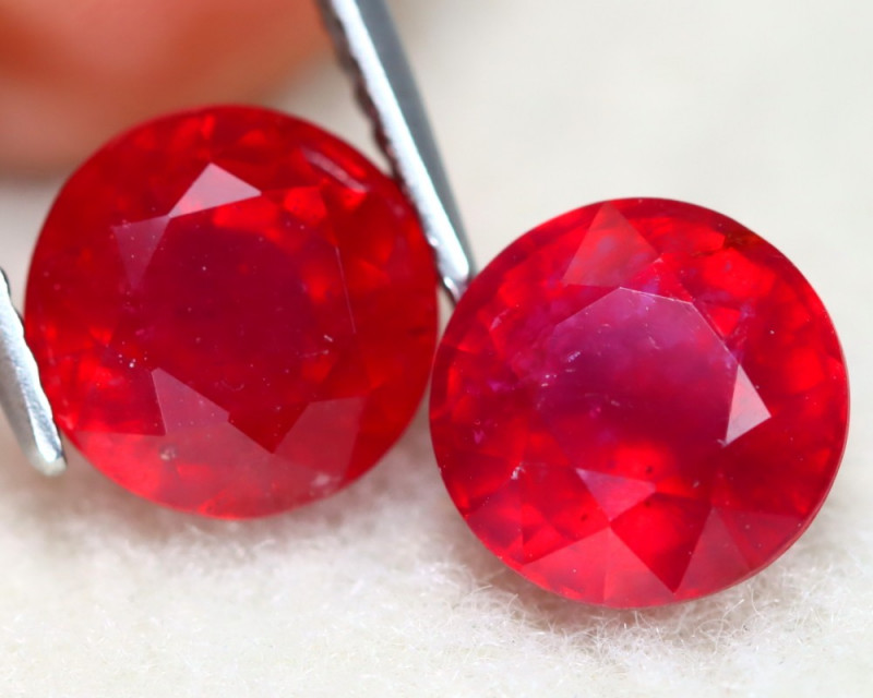 Red Ruby 6.62Ct 2Pcs Round Cut Pigeon Blood Red Ruby C1105