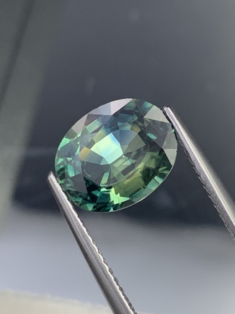 3.09 Cts Fine Quality Greenish Blue Natural Sapphire Excellent Luster