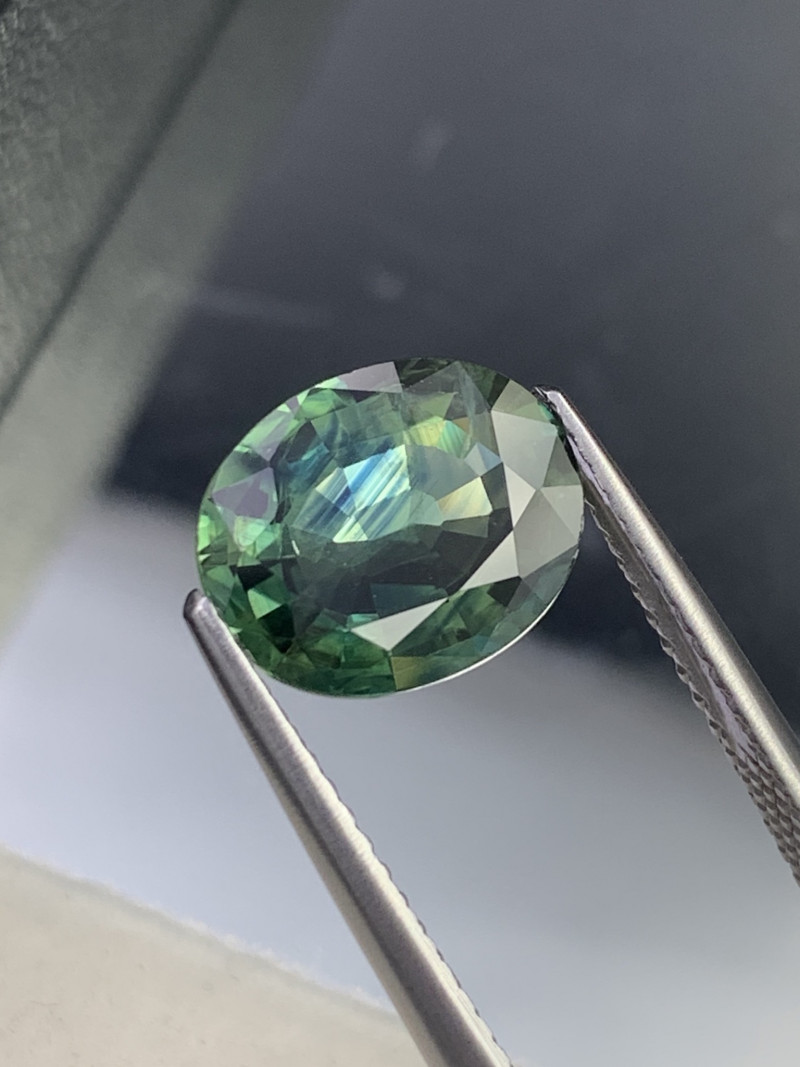 3.55 Cts Rare Color Combination Blue Green Natural Sapphire Top Quality