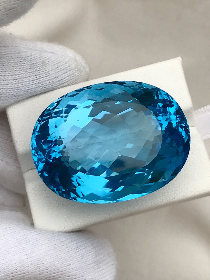 136.95 Carats Swiss Blue Topaz Loose Gemstone Electric Blue Color