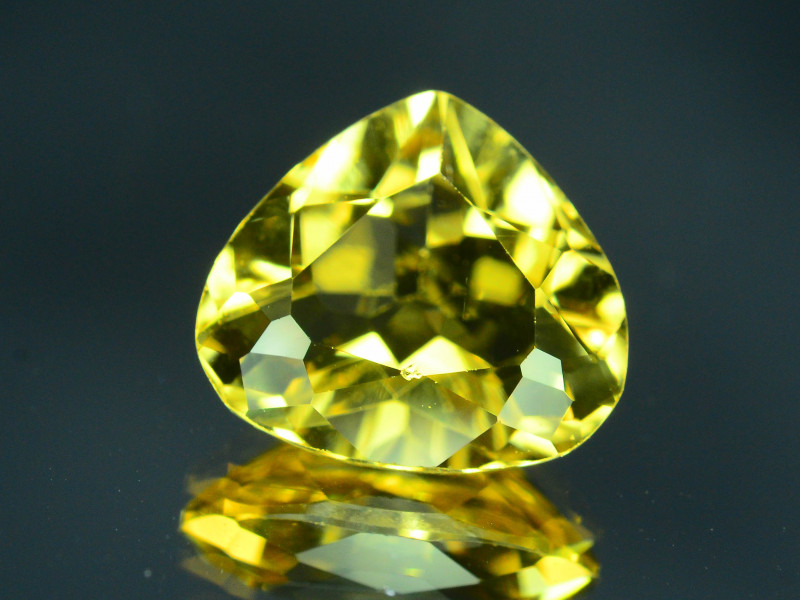 Top Grade 2.00 ct Natural Heliodor ~Yellow ~ K