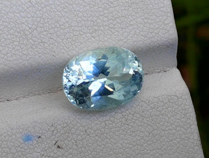 Aquamarine, 5.30 cts Top Color Natural Aquamarine from Pakistan