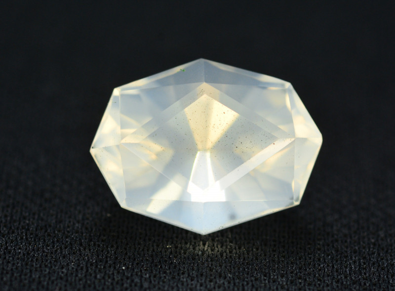 Top Quality 7.05 ct Natural Moonstone Amazing  Color