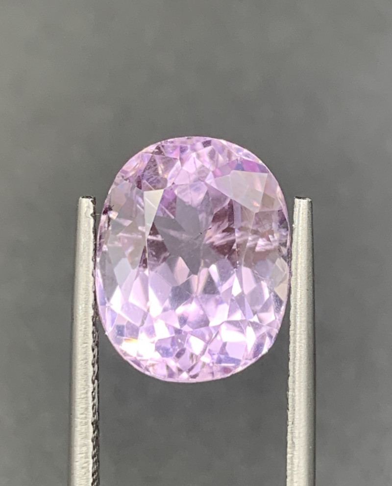 7.56 ct Kunzite Gemstones