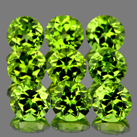 5.00 mm Round 9 pcs 4.67cts Green Peridot [VVS]