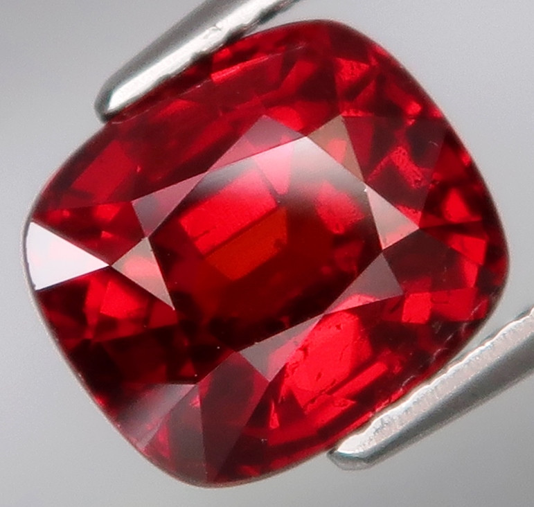 4.80 Ct.100% Natural Earth Mined Top Quality Imperial Spessartite Garnet