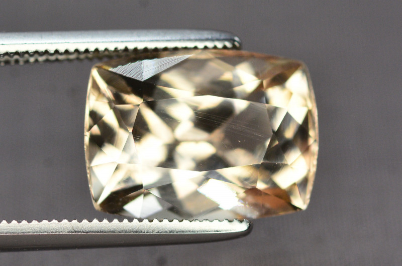 Untreated 6.90 Ct Natural Himalayan Topaz