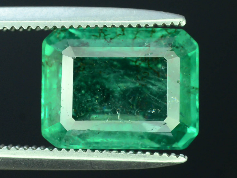 AIG Certified Top Color & Clarity 3.69 ct Emerald ~ Zambia