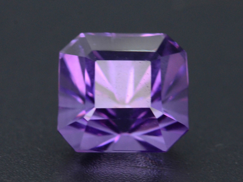 4.25 CT Natural Gorgeous Color Fancy Cut Amethyst