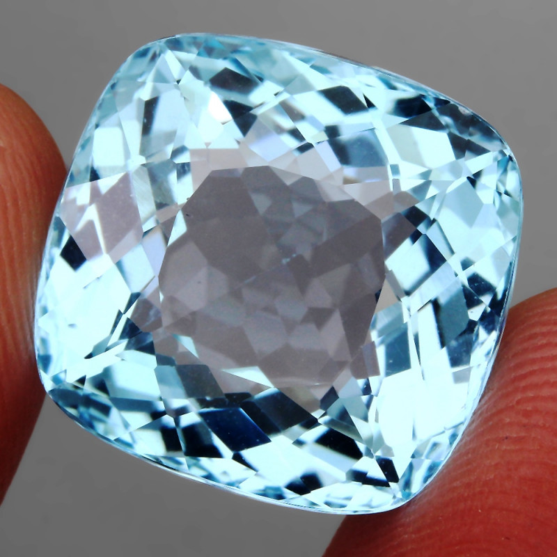 29.98 Ct. 100% Natural Earth Mined Top Quality Blue Topaz Brazil