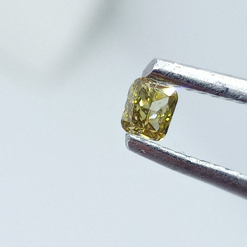 0.11ct Fancy  Green  Diamond , 100% Natural Untreated