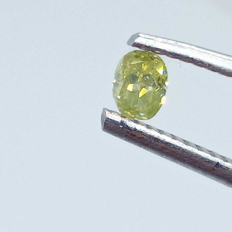 0.19ct Fancy Yellowish Green  Diamond , 100% Natural Untreated