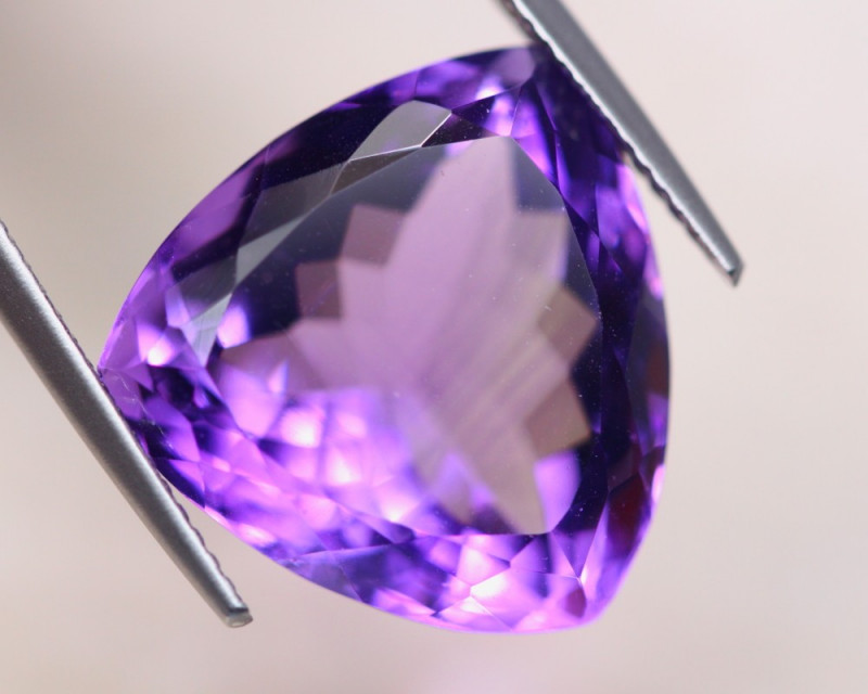 17.05ct Natural Purple Amethyst Trillion Cut Lot D463