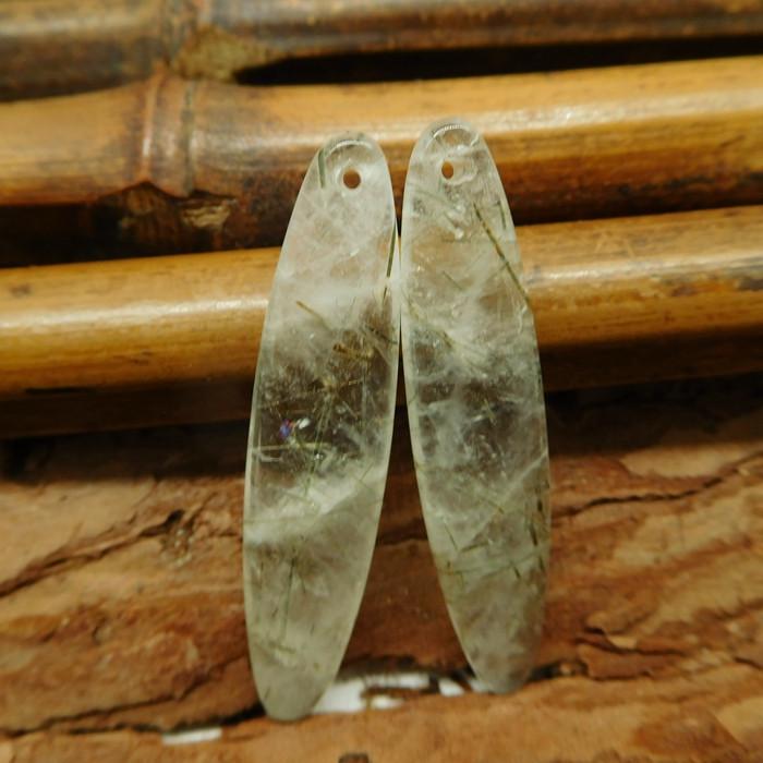 Long dangle green quartz earring bead (G2291)