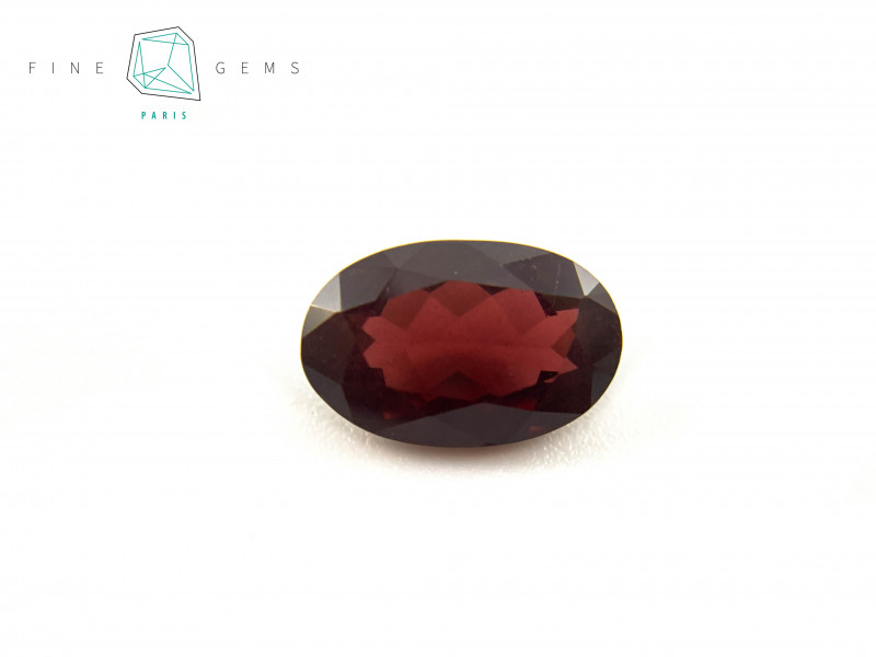 3.72 carats Natural Garnet Oval cut