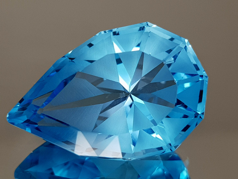 20.35CT NATURAL BLUE TOPAZ PRECISION CUT IGCTPP13
