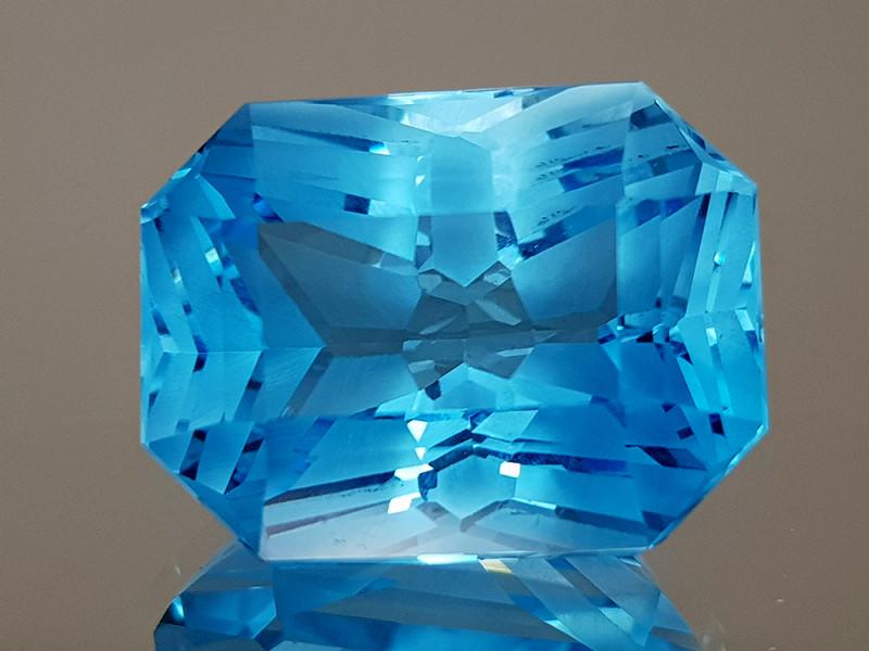 23.96CT NATURAL BLUE TOPAZ PRECISION CUT IGCTPP15