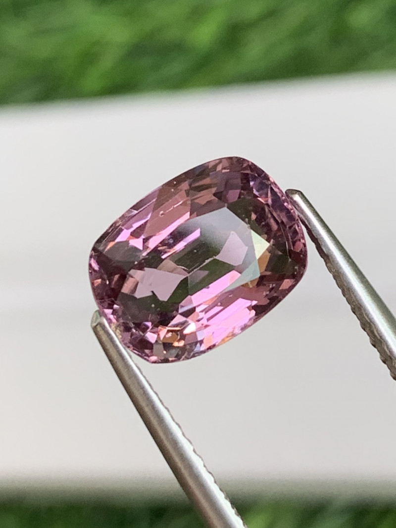 3.31 Cts Burma AAA Classic Rose Pink Natural Spinel Unheated/Untreated
