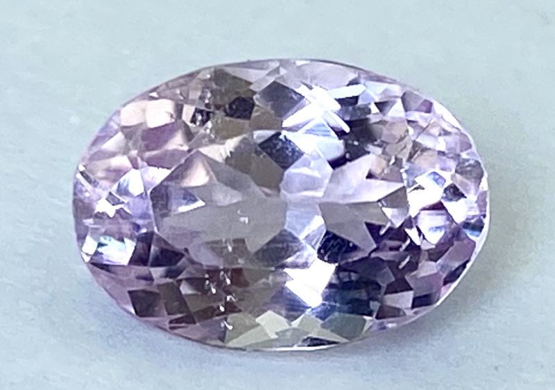 3.85Ct Kunzite Top Cut Top Luster Quality Gemstone.From Pakistan.PKZ 08