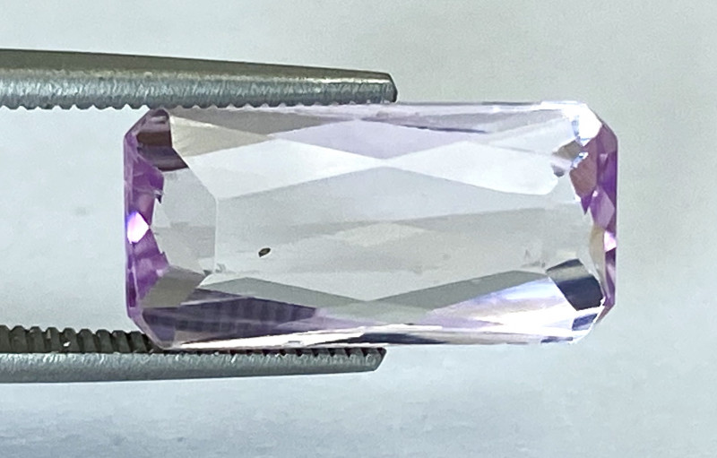 4.53Ct Kunzite Top Cut Top Luster Quality Gemstone.From Pakistan.PKZ 09