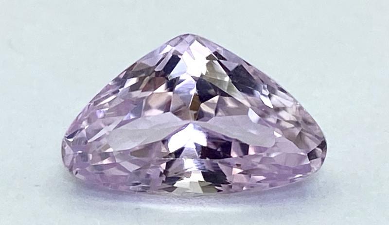 5.46Ct Kunzite Top Cut Top Luster Quality Gemstone.From Pakistan.PKZ 19