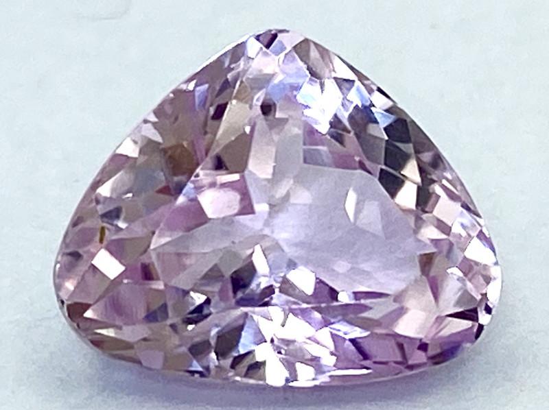 3.95Ct Kunzite Top Cut Top Luster Quality Gemstone.From Pakistan.PKZ 27